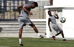 Renato chaves em treino no ct   foto nelson perez   10.01.17 thumbnail