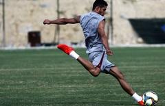 Renato em treino no ct   foto nelson perez   07.01.17 thumbnail