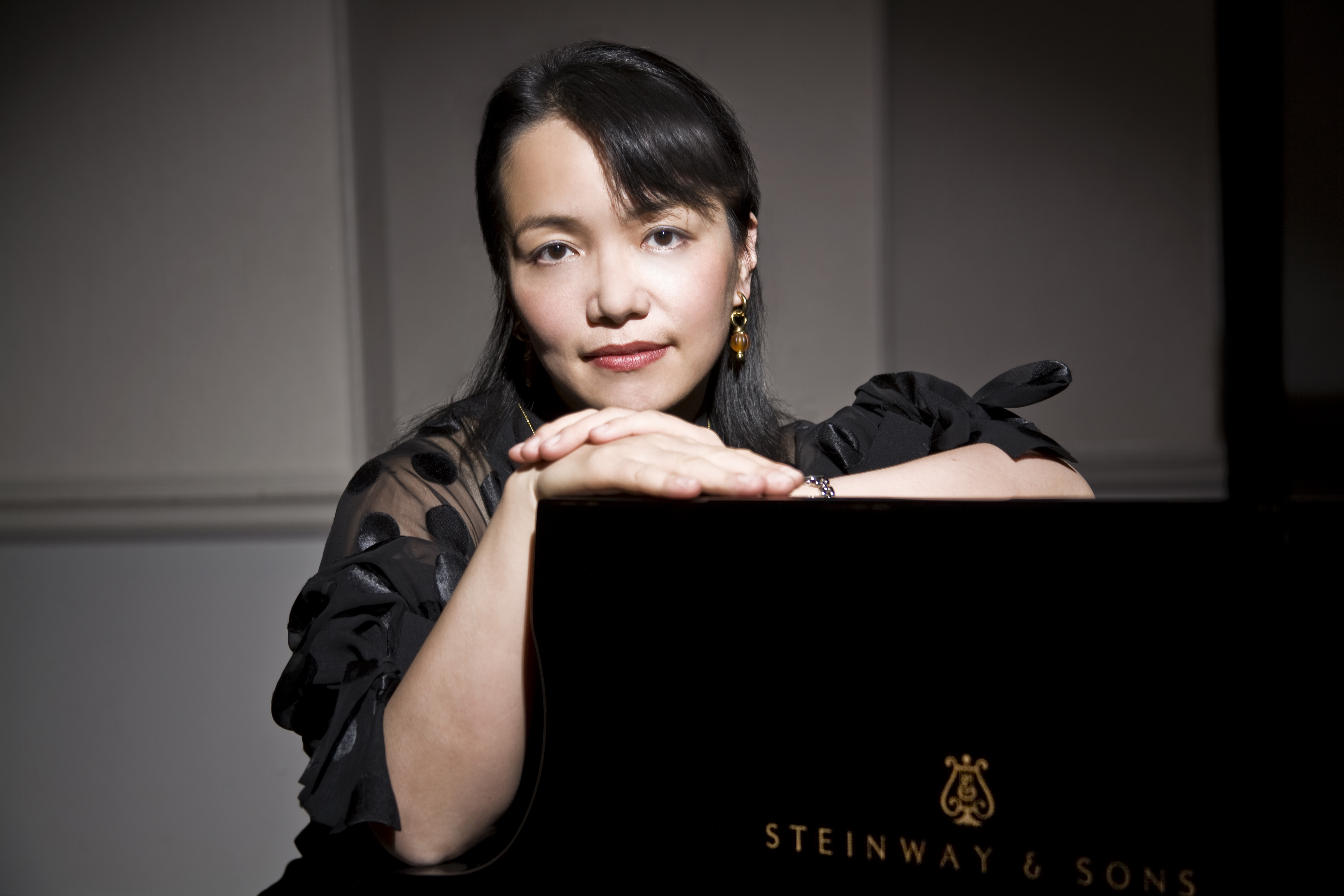 Ayako Shirasaki Photo