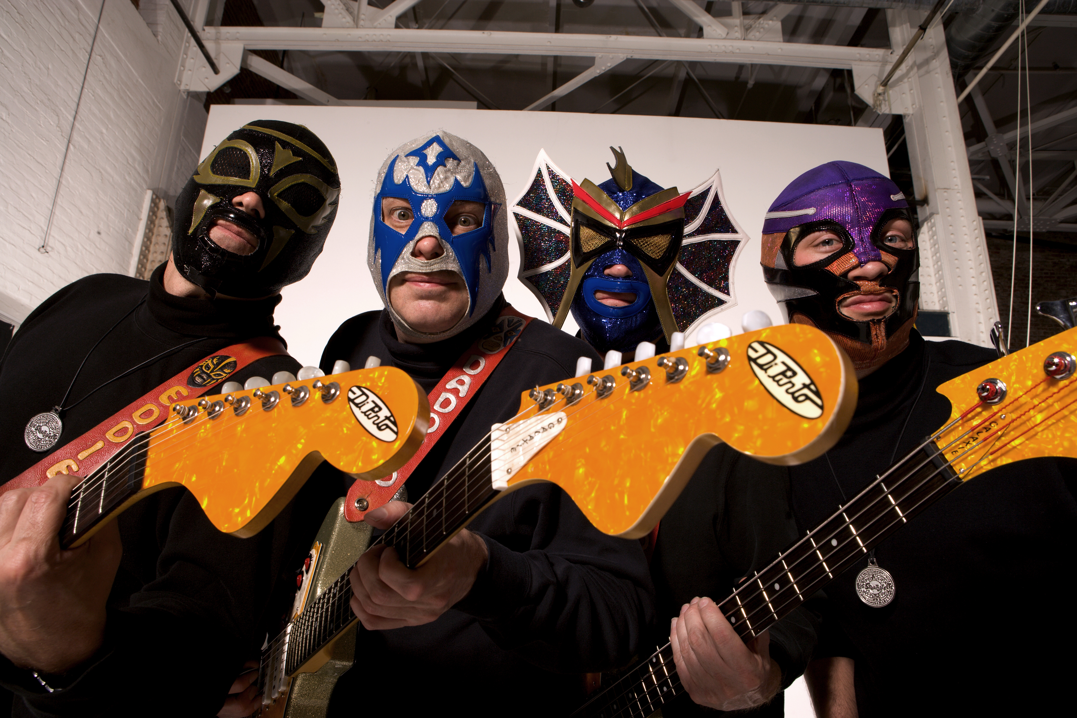 Los Straitjackets Photo