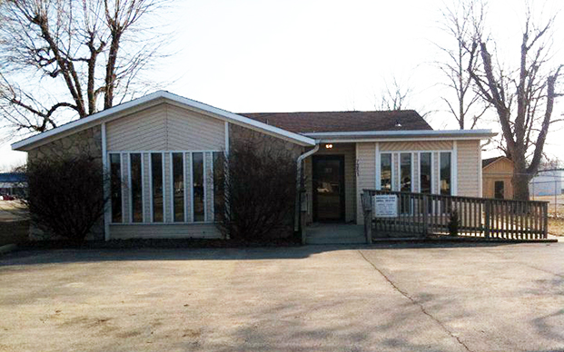 The outside of our veterinary hospital in Indianpolis, IN