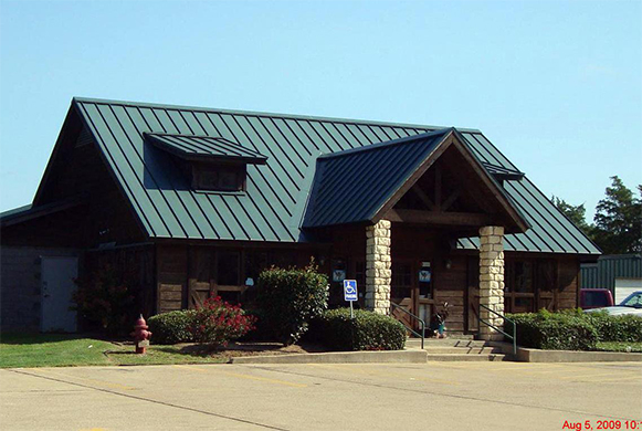 The outside of our veterinary hospital in Crockett, TX