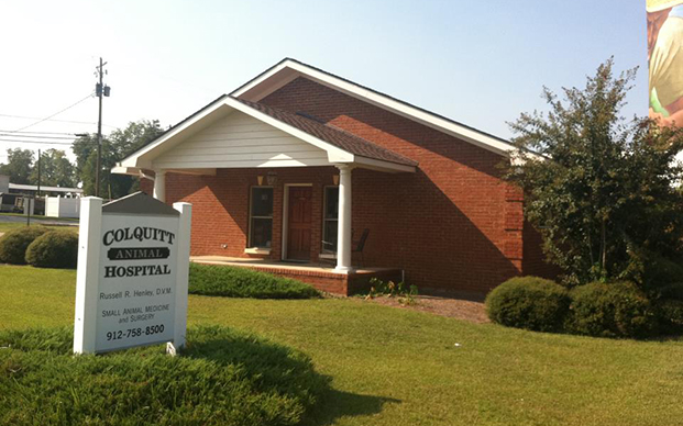 The outside of our veterinary hospital in Colquitt, GA