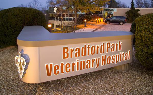 Bradford Park Veterinary Hospital sign, and front of hospital.