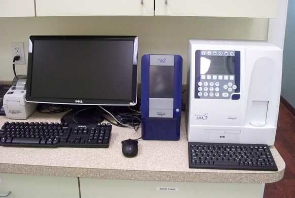 Laboratory equipment for diagnostics