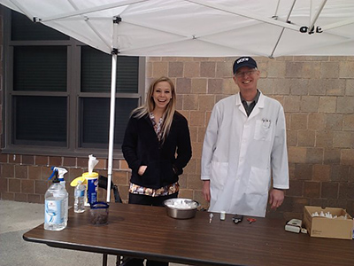 Dr. Anderson and Laura helping with an ARL Clinic