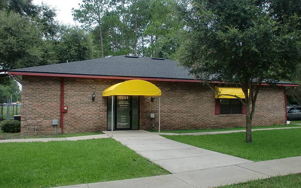 The outside of our veterinary hospital in Gainesville, FL