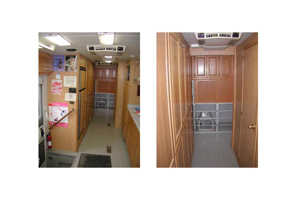 Mobile vet kennel station.