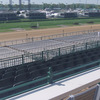Derby-experiences_kentucky-derby_sunnys-halo-lounge-drink-rail-main-stretch-view