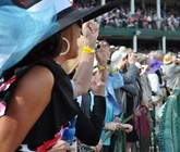 2014-kentucky-derby-clubhouse-pink-seating-2