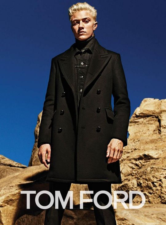 Tom ford fall winter 2015 menswear campaign lucky blue smith 004 800x1086