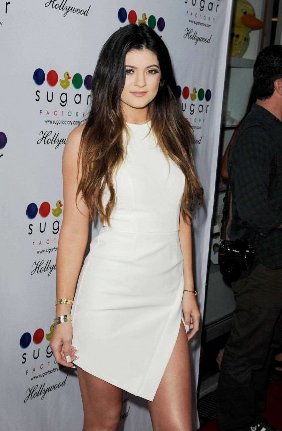 Kylie jenner  sugar factory hollywood grand opening  11 560x855