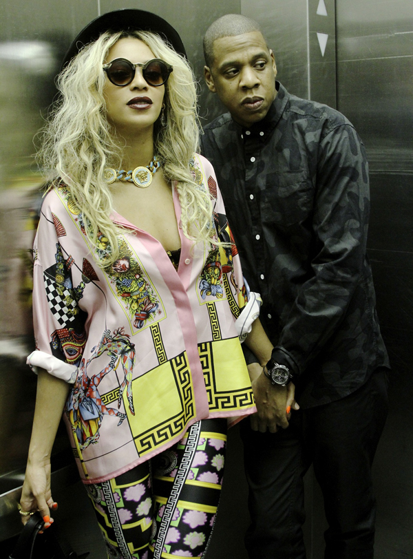 Beyonce tumblr versae borocco printed blouse and versace versus mia printed leggings