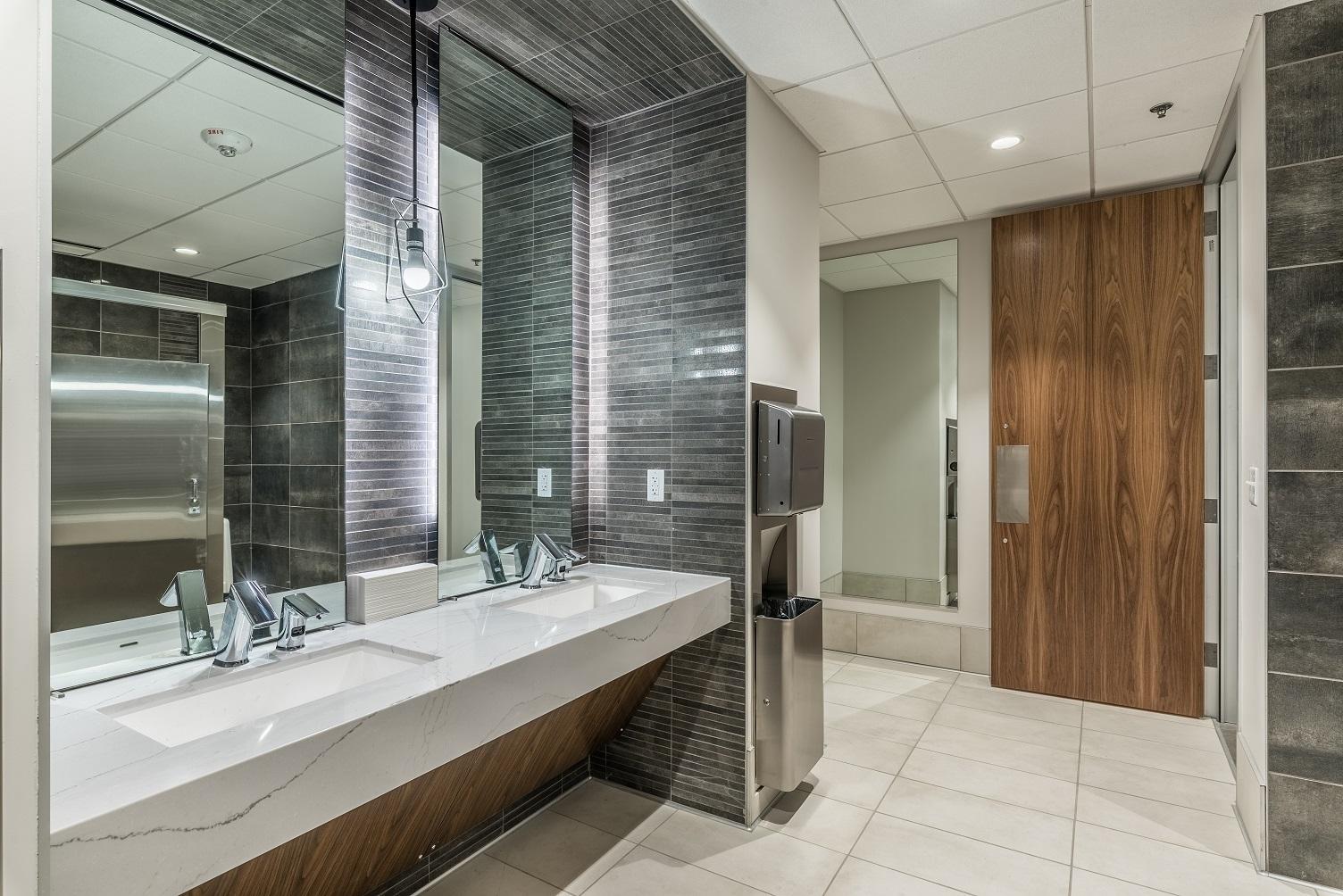 6th_floor_restroom-25