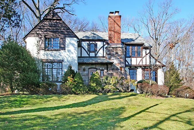 44 Crestwood Drive, Maplewood, New Jersey