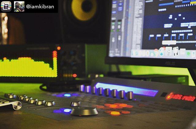 Smooth #QConPro #studiolife  #recording #music   Repost from @iamkibran using @RepostRegramApp – My world 🌎 ••••••••••••••••••••••••••••••••••••••••••••••••• #krk #mixer #icon #audioscope  #mucic #apple