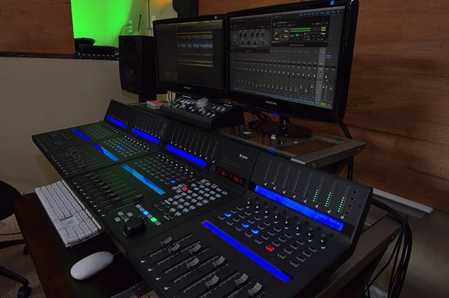 Qcon Pro X + 3 QCon ProXS = 32 channels of  audio faders.