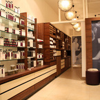 R_groom_selfridges_product_display_b_1