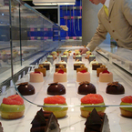 R_patisserie_showcase_b_1
