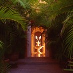 Cuixmala_-_casa_la_loma_entrance_b_1