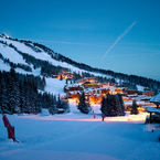 Courchevel_village_1850_at_night_1_b_1