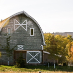 Barn_from_front-tepee_b_1