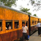 Yangon-train1_b_1