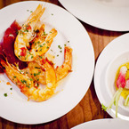 Garlic_prawns_with_radishes_at_pizarro_b_1