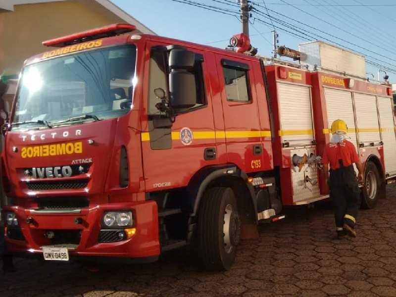 .:: em_paraiso_acao_rapida_de_bombeiros_evita_propagacao_de_incendio_em_apartamento_41563_1_pt.jpg ::.