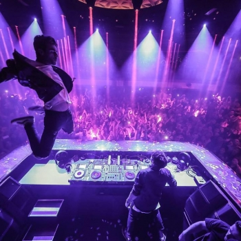 Big thank you to #TheChainsmokers for coming to our Grand Opening!! #JEWELGrandOpening #JEWELNightclub