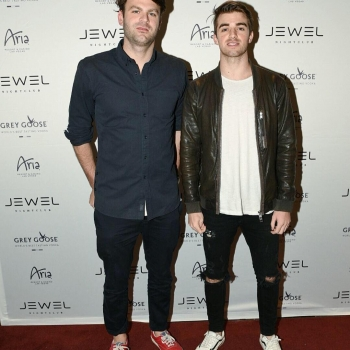 TheChainsmokers are in the building! #JEWELGrandOpening #JEWELNightclub Follow us on snapchat to see more!! Username:JEWELNightclub
