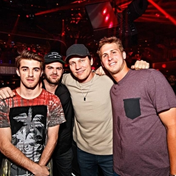 Thanks to #Tiësto & #JaredGoff for stopping by last night with #TheChainsmokers! Catch them at their next show on Friday, July 29th.  Tickets: bit.ly/tcs_2016