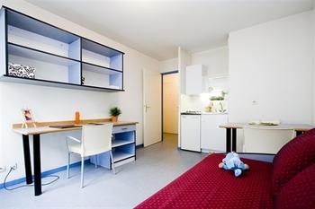 studio etudiant lmnp lyon 69007 vente studio lyon dans l ancien. Black Bedroom Furniture Sets. Home Design Ideas