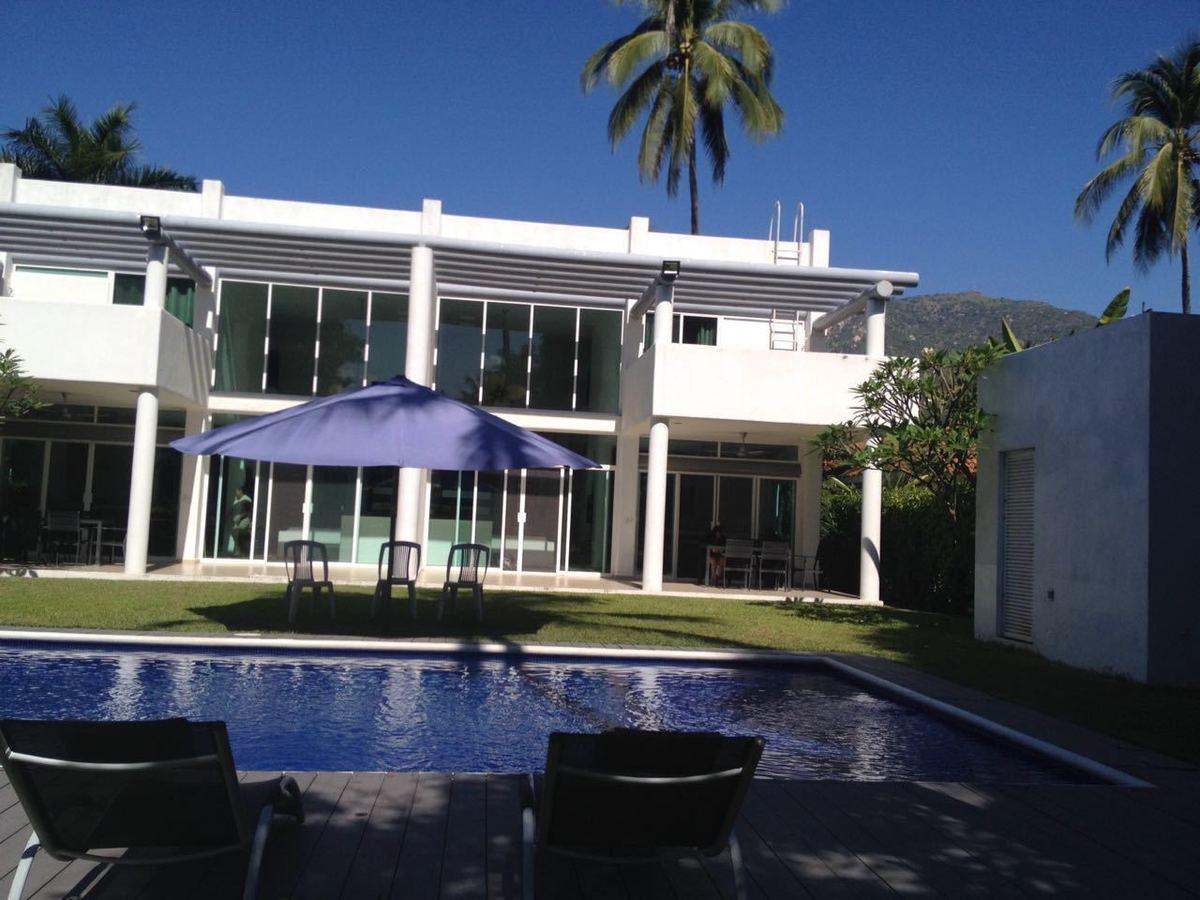 Casa en Venta en Club Santiago, Manzanillo