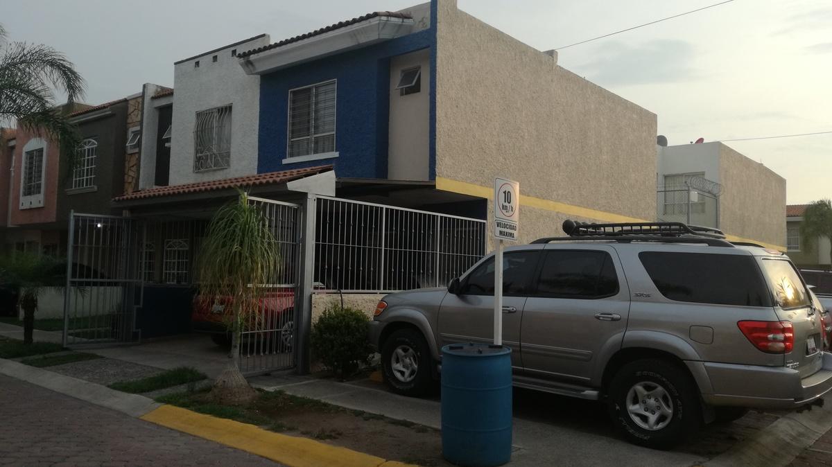 Casa en Venta en Parques Santa Cruz Del Valle, Tlaquepaque