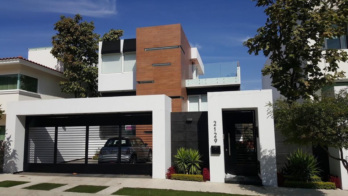 Casa en Venta en Ciudad Bugambilia, Zapopan