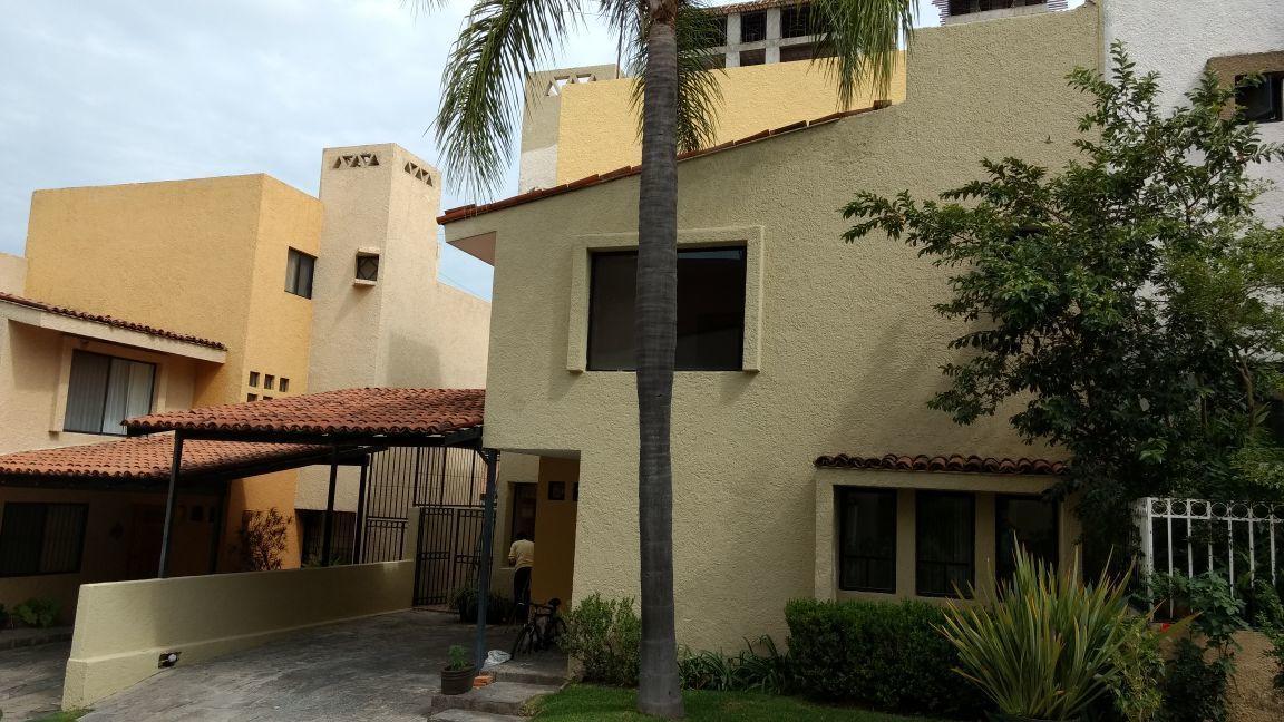 Casa en Renta en Colomos Providencia, Guadalajara