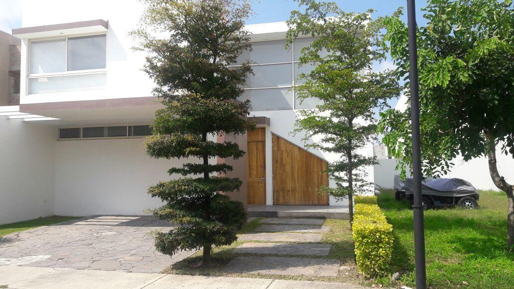Casa en Renta en Jardines Del Valle, Zapopan