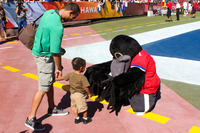 Nfl-on-location-pro-bowl-hawaii-ohana-day-fans-with-mascot