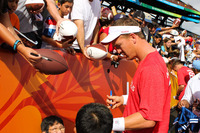 Nfl-on-location-pro-bowl-hawaii-ohana-day-peyton-manning-signing-autographs