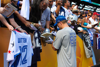 Nfl-on-location-pro-bowl-hawaii-ohana-day-witten-signing-autographs