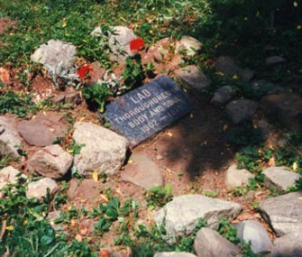 Lad the dog's grave