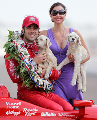 Ashley Judd with Dario Franchitti and their dogs at Indy 500