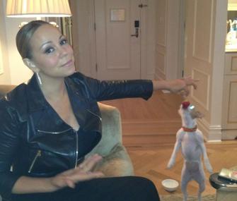 Mariah Carey feeds her dog strawberries