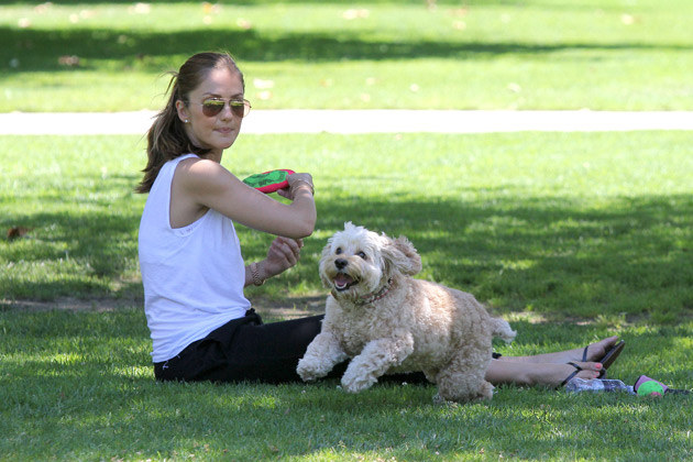 Minka Kelly and dog Chewy