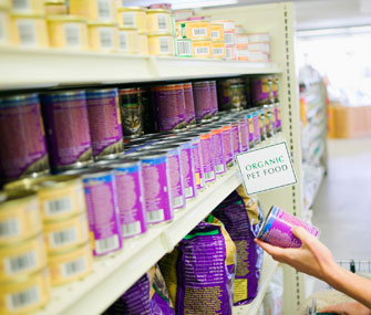 Shopping for organic pet food