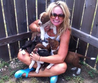 Miranda Lambert and puppies