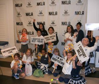 NKLA kids volunteering at shelter