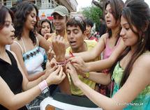 Raksha-bandhan-girls-boys-very-funny