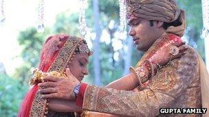 _67397861_wedding2